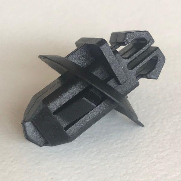 Rear Door & Rear Side Body Moulding Retainer Clip